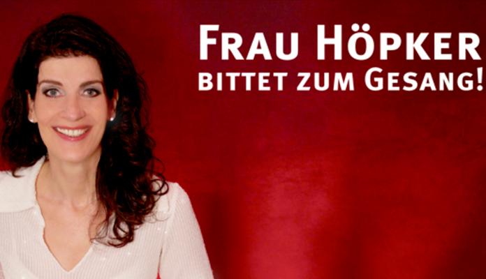 Frau Höpker-bittet zum Gesang   Brückenforum Bonn